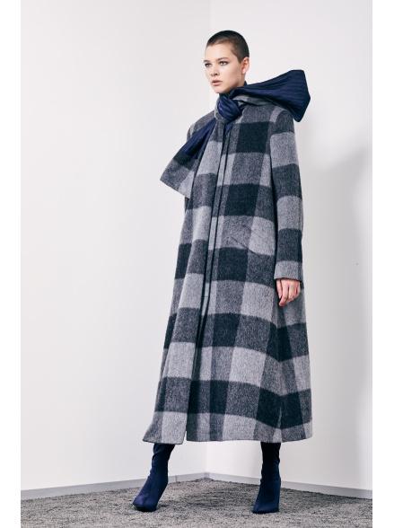 Пальто с шарфом