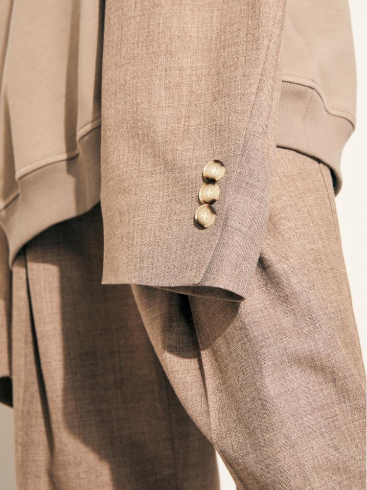 Толстовка с пиджачными рукавами beige