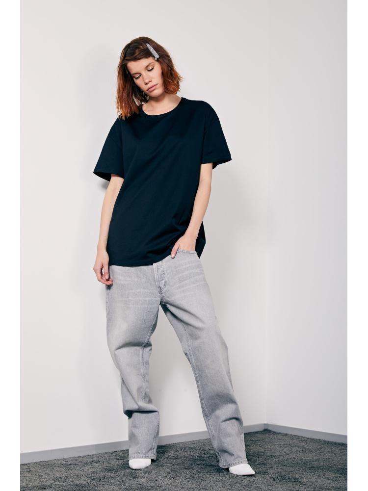 Черная футболка fit