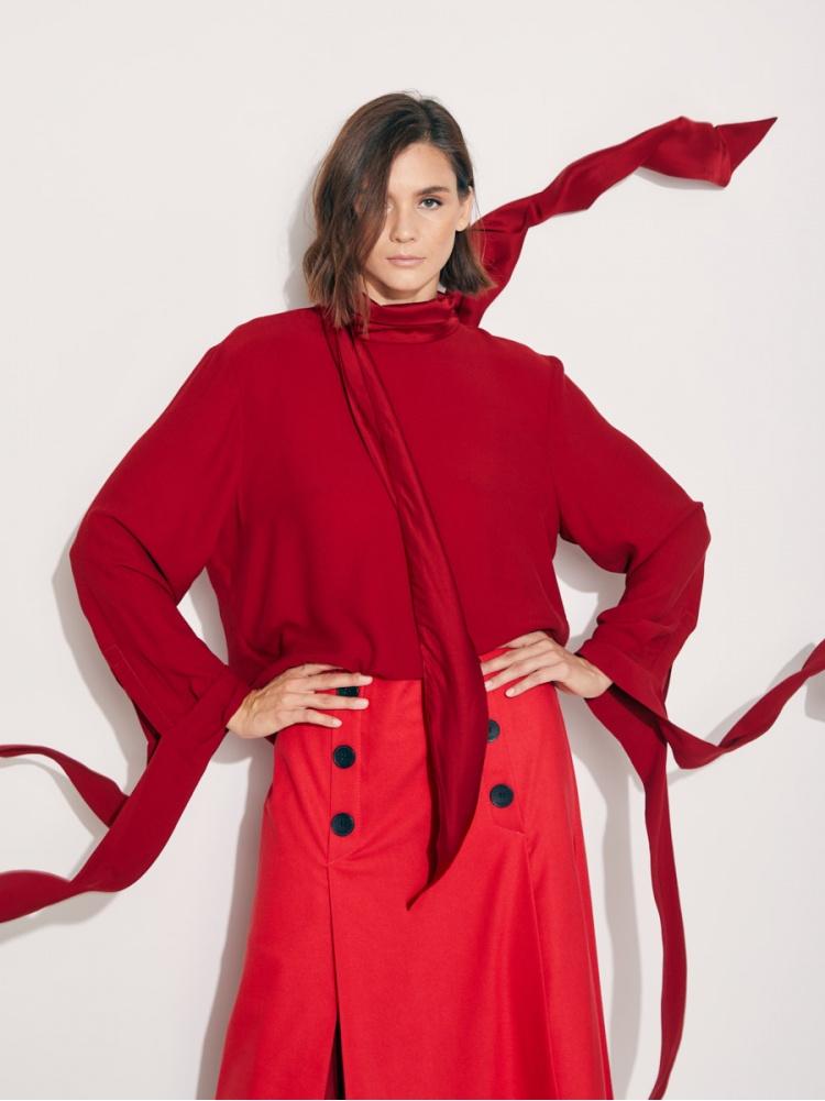 Блуза бордовая